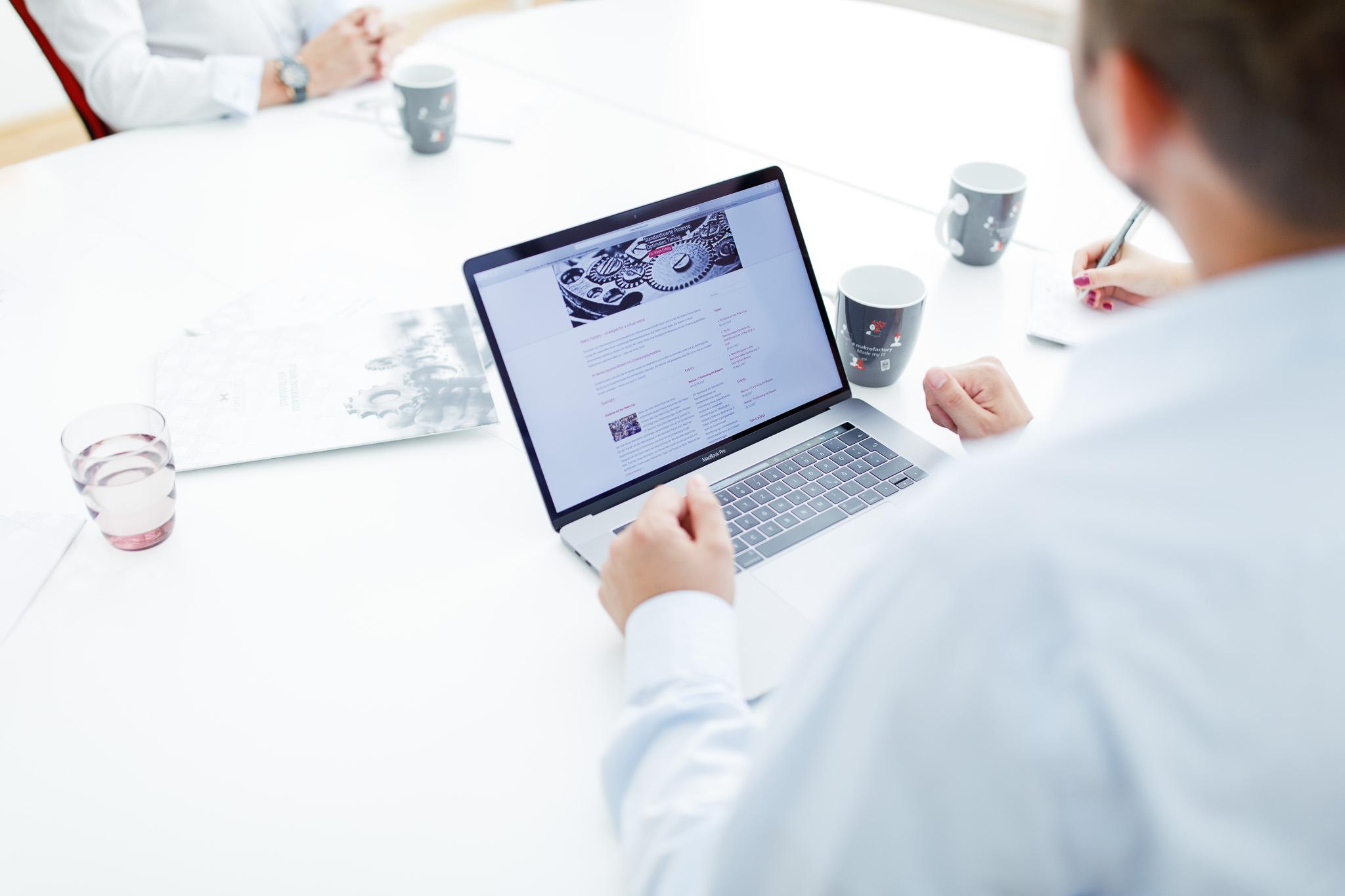 Unternehmensfotograf für Unternehmensfotos und imagebilder aus Karlsruhe